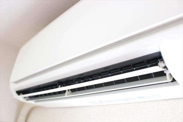 エアコン洗浄は愛知・岡崎市にある【エッジクリーンサービス】へ~臭いの原因となる汚れやカビなどを徹底洗浄~